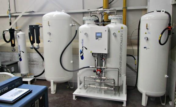 Вместе с генератором азота N35 установлена углеродная башня