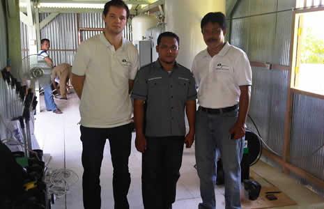 Инженеры по обслуживанию Oxywise и местные представители