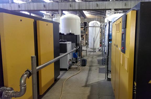 Установка имеет водяную систему охлаждения замкнутого цикла