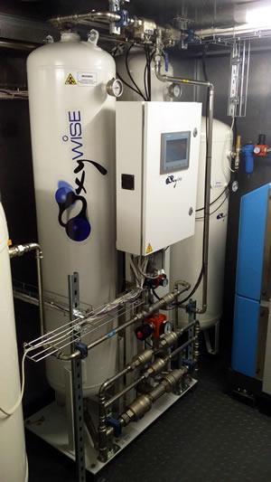 Устройство имеет встроенную систему подачи воздуха